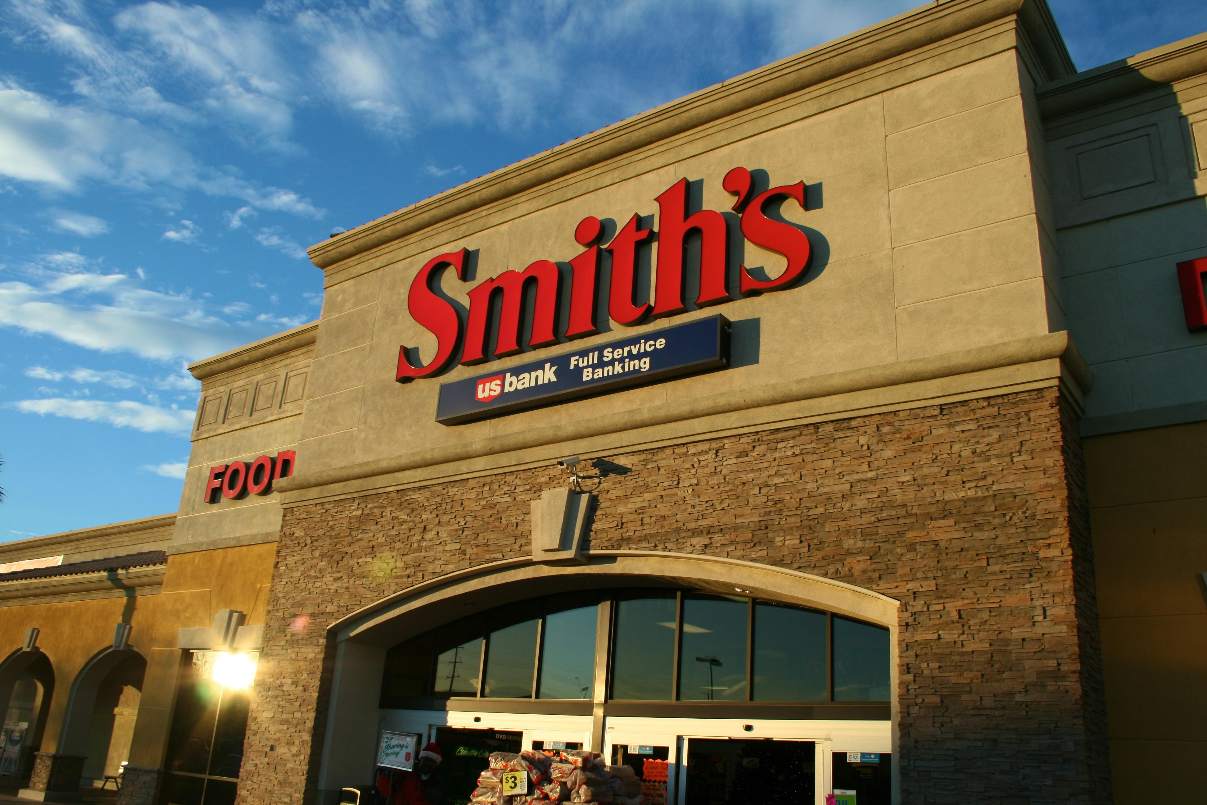 Smiths to Require Masks in Stores