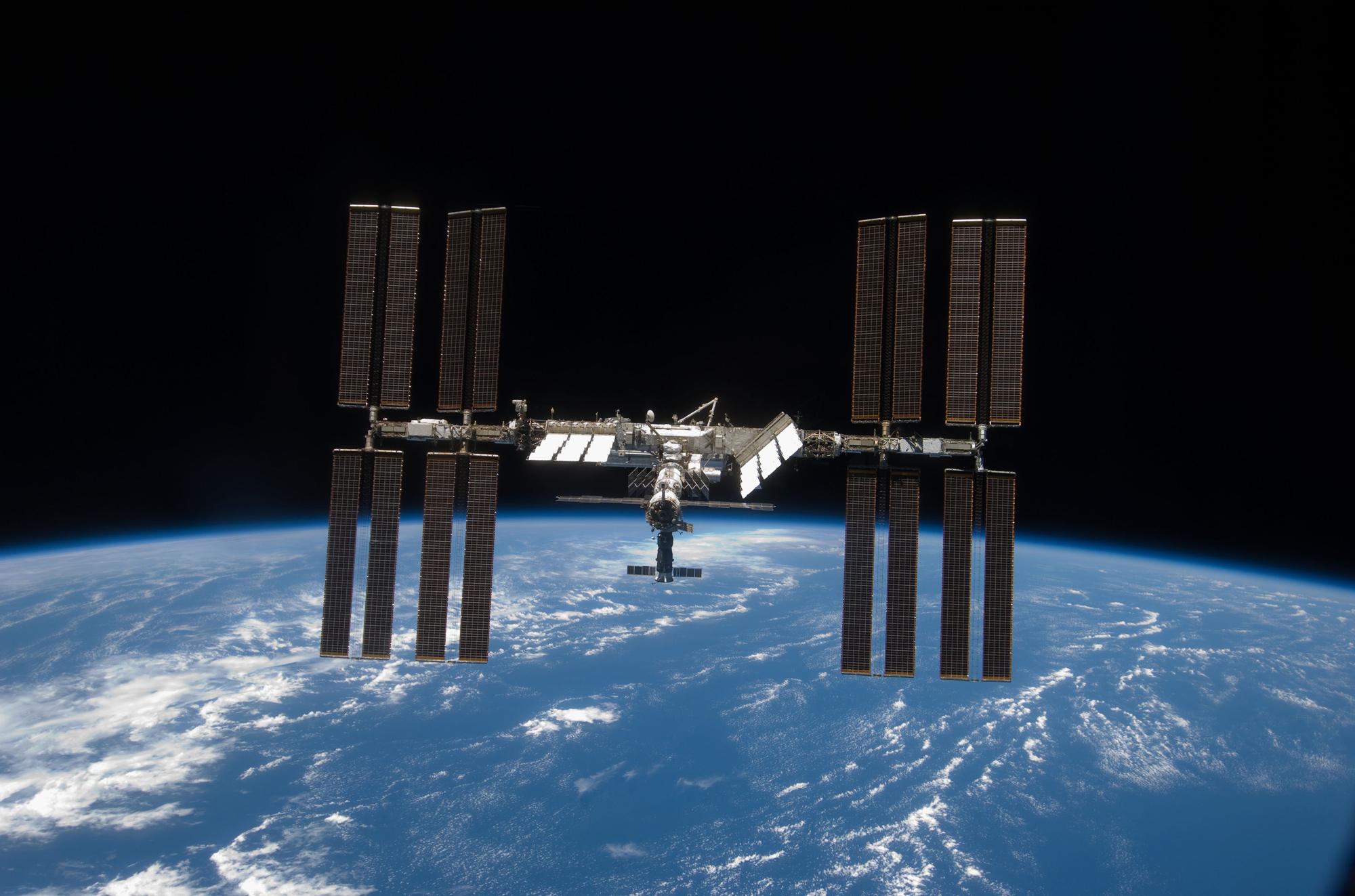 UW molecular biologist on Space Station Broadcast
